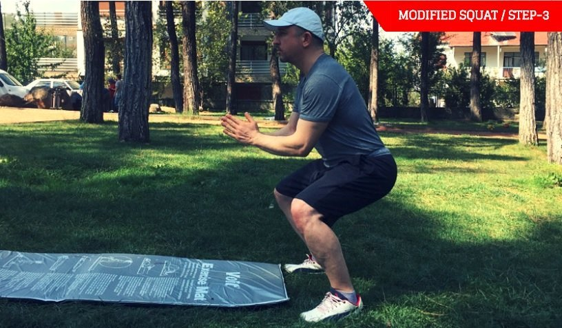 best-bodyweight-exercises-modified squat-step-3